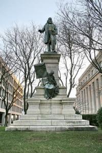 albert_pike_statue