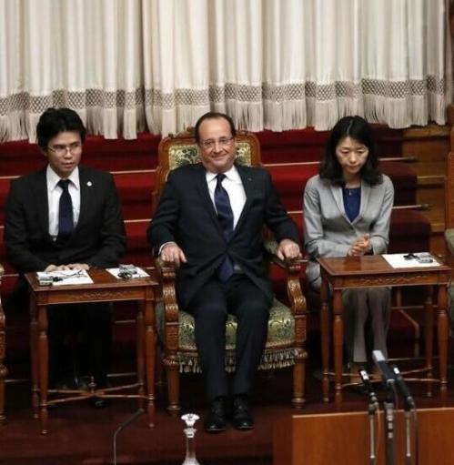 Hollande confond chinois et japonais en plein conference